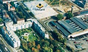 LanzCarré Bauplatz mit Kränen von schräg oben, die Baufläche ist hervorgehoben