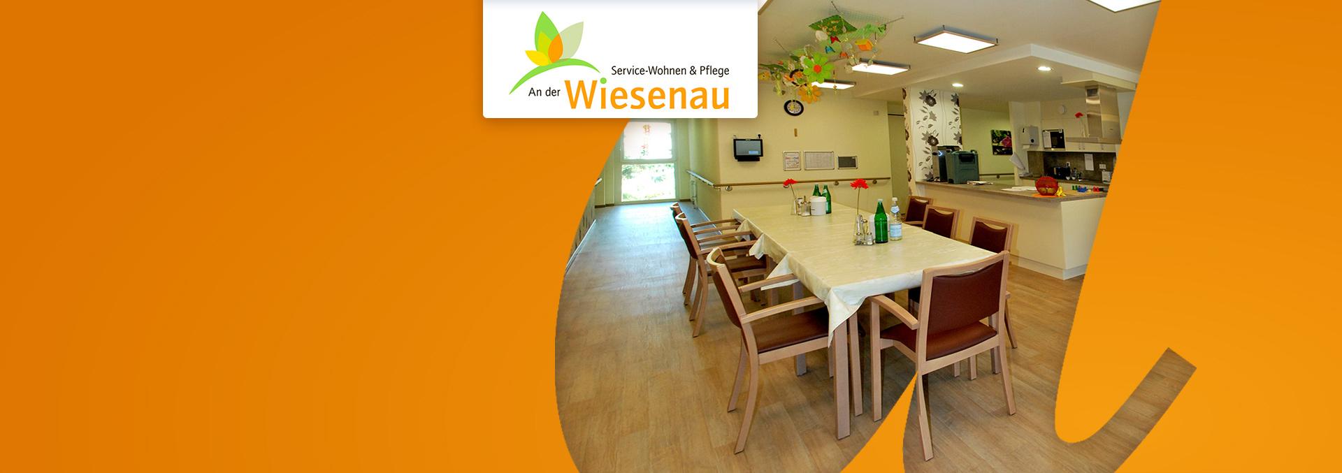 Service-Wohnen und Pflege AN DER WIESENAU: Speiseraum mit Küchenzeile und Deckendekoration