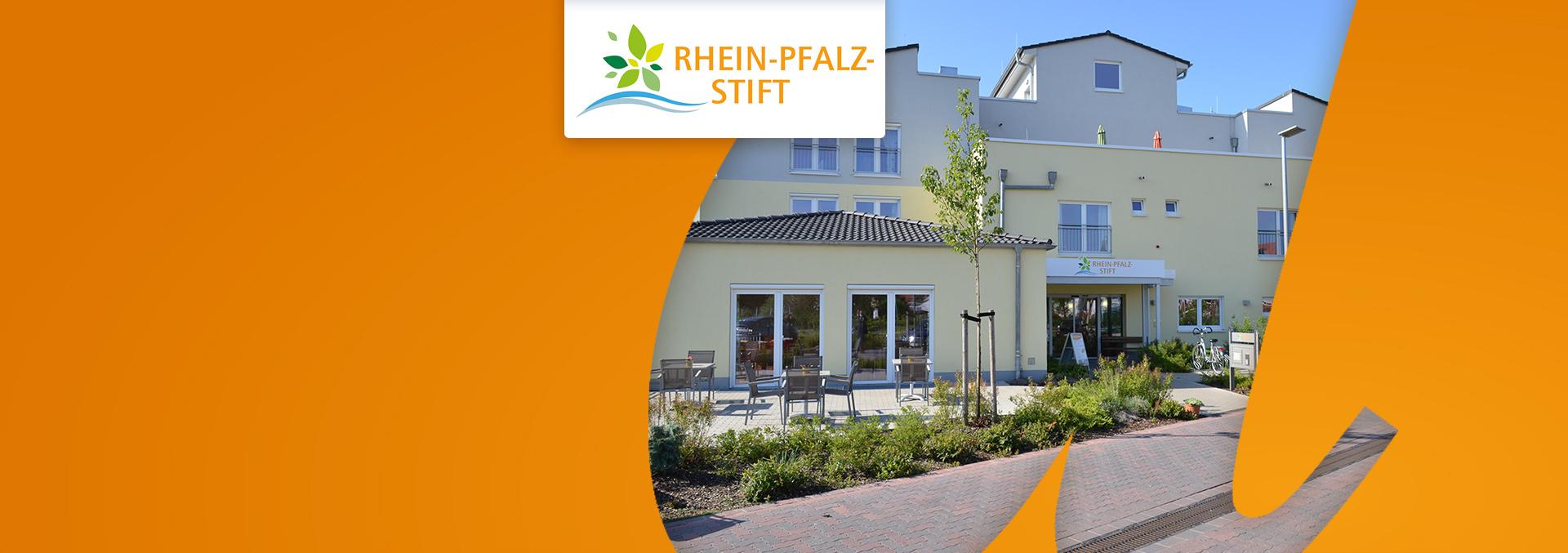 Pflege im Rhein-Pfalz-Stift: Eingangsbereich mit Terrasse