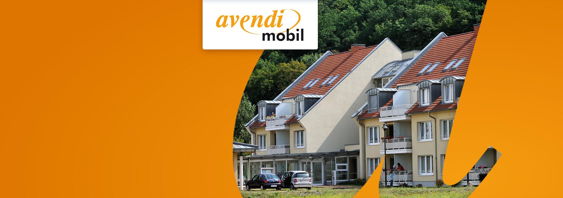 Ambulanter Pflegedienst avendi mobil Weißenfels: Einrichtung Töpferdamm von außen mit parkenden Autos.