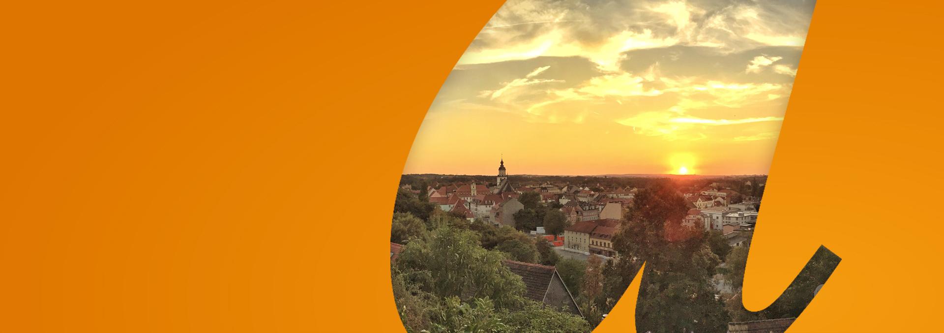Panorama gegen den Sonnenuntergang über Weißenfels, dem Standort einer unserer Einrichtungen und des ambulanten Pflegedienstes avendi-mobil.